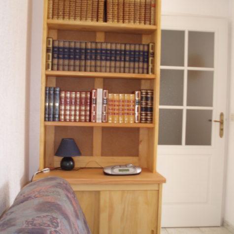 bibliothèque avec portes coulissante en pin sylvestre