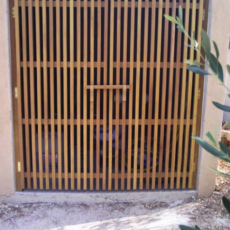 porte type claustra en iroko
