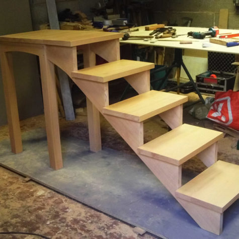 petit escalier bois hêtre