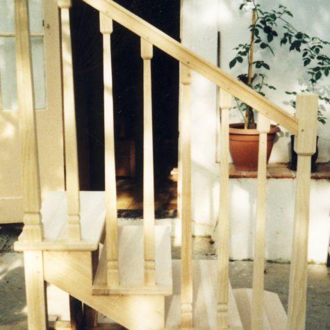 petit escalier en frêne