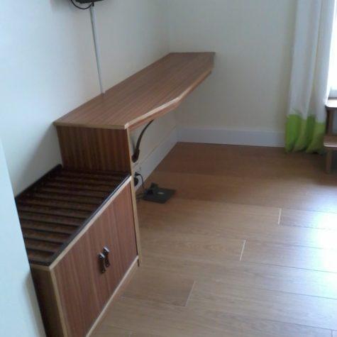 agencement mobilier bureau porte valise tête de lit essence bois latte plaque sapelli hôtel les galets bandoll